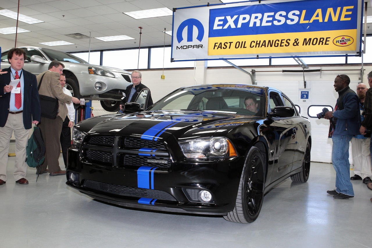 limited edition mopar 2011 dodge charger at 39 750. Black Bedroom Furniture Sets. Home Design Ideas